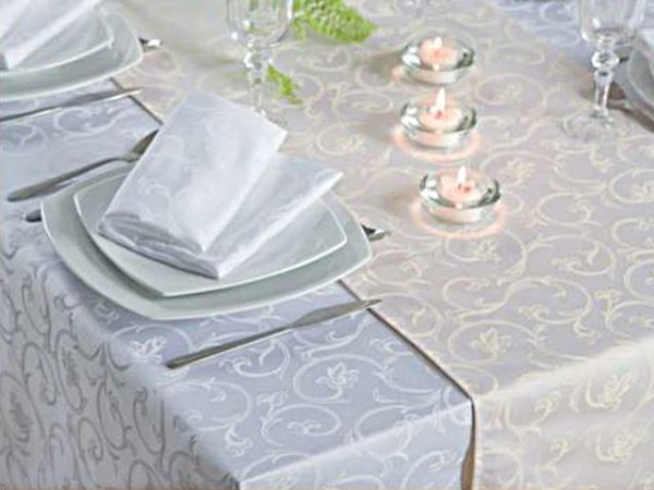 Damast-Tischdecke Sila, weiß, mit floralem Muster, 140x240