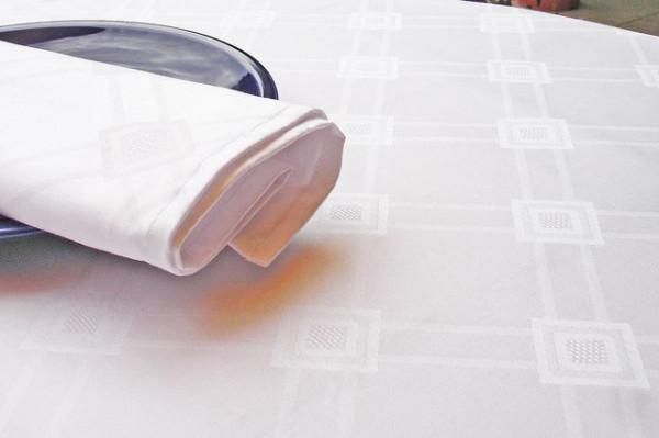 Damast-Tischdecke Milara, weiß, mit elegantem Muster, 140x230