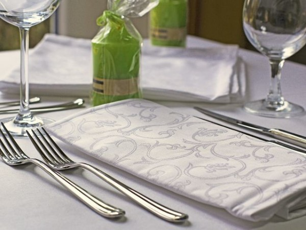 12 Damast-Servietten Sila, weiß, mit floralem Muster, 50x50