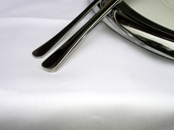 Tischdecke Klara, oval, weiß, ohne Muster, 140x260