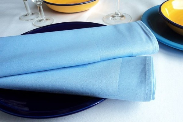 Stoffserviette, Padua, hellblau, mit Atlaskante 50x50